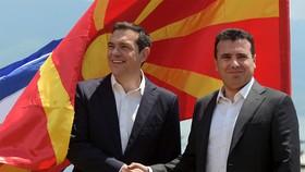 希臘和馬其頓兩國領導人出席簽署協議。