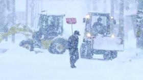 大雪之中的北海道城市。