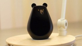 Bearbot外形就是一個可愛的黑色無手腳卡通熊