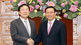 政府副總理王廷惠日前在政府辦事處接見了由韓國中小企業聯盟主席金基文(音)