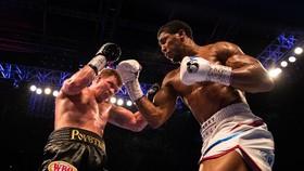 Anthony Joshua (phải) đã tìm được đối thủ tiếp theo