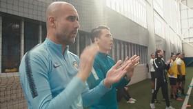 Pep Guardiola hoan hô các cầu thủ Kitchener FC