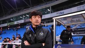 Ông Lim Joong Yong, HLV trưởng của Incheon United