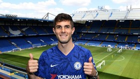 Christian Pulisic ra mắt ở sân Stamford Bridge