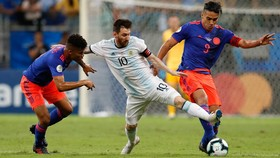 Messi có nguy cơ bị loại sớm nếu để thua trong trận sinh tử chiến