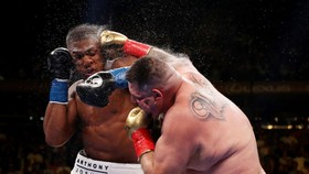 Địa điểm tái chiến giữa Ruiz và AJ vẫn đang trong vòng tranh cãi