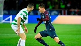 Julian Draxler sẽ sang Premier League vì Paris SG cần bán cầu thủ. Ảnh Getty Images.