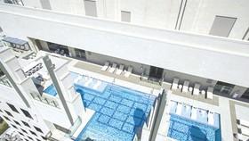 42 層高樓懸空游泳池