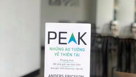 """""""Peak - Những ảo tưởng về thiên tài"""": Một cách nhìn khác về thiên tài"""