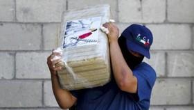 """Argentina báo động cao vì trùm ma túy Mexico """"El Chapo"""" Guzman"""