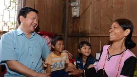 TPHCM trao tặng 1 tỷ đồng giúp người dân nghèo Ninh Thuận vui tết