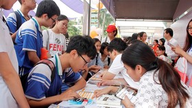 Đà Nẵng: Hàng trăm học sinh tham gia tư vấn tuyển sinh và hướng nghiệp