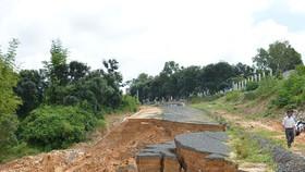 Kon Tum: Công trình chống sạt lở bị sạt lở do… mưa?