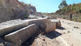 Tỉnh Kon Tum chỉ đạo khắc phục hư hỏng trên đường tránh đèo Măng Rơi