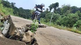 Tan nát đường xuyên đỉnh Ngọc Linh