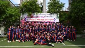 Học sinh Trường THPT Vĩnh Viễn trong ngày tốt nghiệp