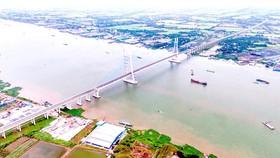 Cầu Vàm Cống, một trong những công trình quan trọng góp phần phát triển liên kết vùng tại ĐBSCL. Ảnh: PHAN THANH