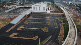 Bến xe miền Đông mới kết nối thuận lợi với xe buýt, metro, xa lộ Hà Nội. Ảnh: THÀNH TRÍ
