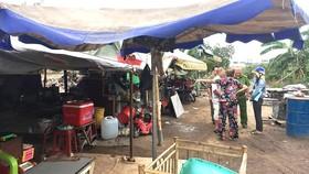 Vận động người dân tháo dỡ công trình xây dựng không phép  tại phường Bình Hưng Hòa, quận Bình Tân