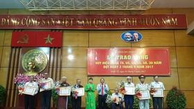Trao Huy hiệu 55, 50 năm tuổi Đảng cho 7 đảng viên