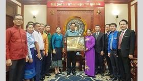 Đoàn đại biểu Đoàn Thanh niên Nhân dân Cách mạng Lào thăm TPHCM