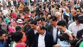 Thủ tướng Nguyễn Xuân Phúc thăm, tặng quà Tết cho người nghèo ở Phú Yên