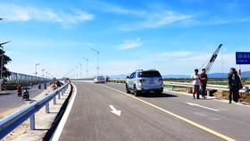 Chính thức thông xe cầu dài nhất trên quốc lộ 1 - miền Trung