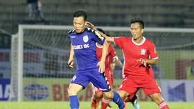 B.Bình Dương - Bình Định 2-0: Gốm thắng dễ