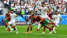 Marocco - Iran 0-1: Aziz Bouhaddouz phản lưới nhà