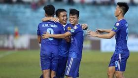 Quảng Nam - TPHCM 2-1: Douglas, Olivera Warley khiến HLV Miura trắng tay rời Tam Kỳ