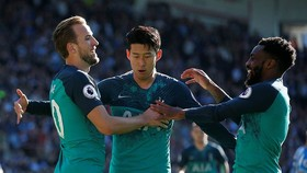 Huddersfield - Tottenham 0-2: Harry Kane tỏa sáng với cú đúp bàn thắng