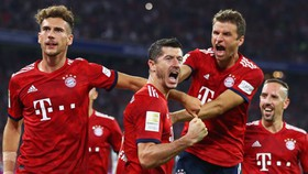 Wolfsburg - Bayern Munich 1-3: Lewandowski và Rodriguez thi tài