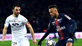 PSG - Guingamp 1-2: Neymar ghi bàn, Gbakoto và Marcus Thuram loại PSG