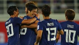 Nhật Bản - Uzbekistan 2-1: Muto, Shiotani Tsukasa tỏa sáng giành ngôi đầu bảng F