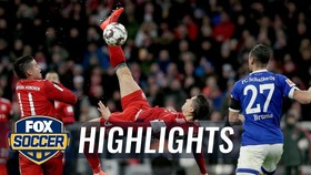 "Bayern Munich - Schalke 3-1: Jeffrey Bruma ""tặng quà"", Lewandowski, Serge Gnabry thu hẹp khoảng cách"