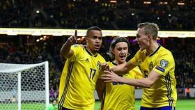 Thụy Điển - Romania 2-1: Robin Quaison, Viktor Claesson lập công
