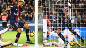 """PSG - Strasbourg 2-2: Kehrer kịp gỡ hòa, tiền đạo Choupo-Moting bị nghi """"bán độ"""""""