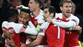 Arsenal - Valencia 3-1: Lacazette lập cú đúp, Aubameyang khóa sổ, HLV Unai Emery có lợi thế lượt về