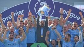 Brighton - Man City 1-4: Aguero, Laporte, Mahrez, Gundogan ngược dòng, HLV Pep Guardiola đăng quang