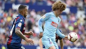 Levante - Atletico Madrid 2-2: Cabaco, Rogers xuất thần, HLV Simeone nhờ Rodri, Camello gỡ hòa