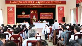 Quang cảnh buổi tiếp xúc cử tri của Đoàn đại biểu Quốc hội TP Đà Nẵng tại quận Cẩm Lệ