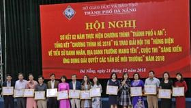 Sở Giáo dục và Đào tạo Đà Nẵng khen thưởng 73 cá nhân và 86 tập thể