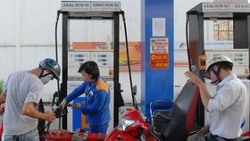 Giữ nguyên giá xăng, dầu