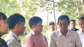 Lãnh đạo Genco 1 thăm hỏi, hỗ trợ gia đình các nạn nhân. Ảnh: PHAN THANH