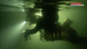 """Hành trình """"nghẹt thở"""" lặn sông ngầm bên dưới Sơn Đoòng"""