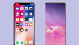 iPhone X và Galaxy S10
