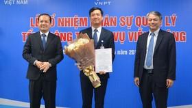 VNPT trao quyết định cho ông Nguyễn Nam Long