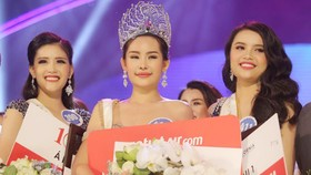 Nhan sắc của tân Hoa hậu Đại dương Việt Nam 2017 trở thành đề tài bàn tán trên mạng xã hội