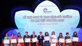 Trao tặng 100 Giải thưởng Du lịch Việt Nam 2019