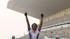 Ali Khadem ăn mừng chiến thắng cho chiếc HCV châu Á 2013.